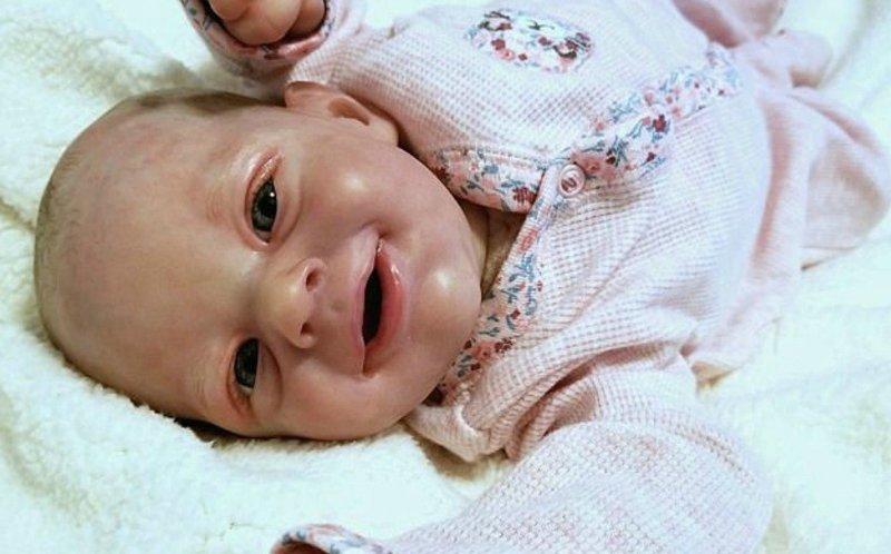 Чей малыш?: американка создает кукол, которых не отличить от младенцев