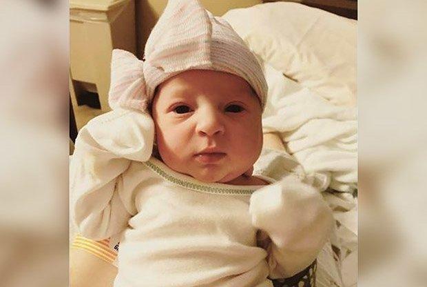 В США родилась малышка, эмбрион которой был заморожен 24 года назад