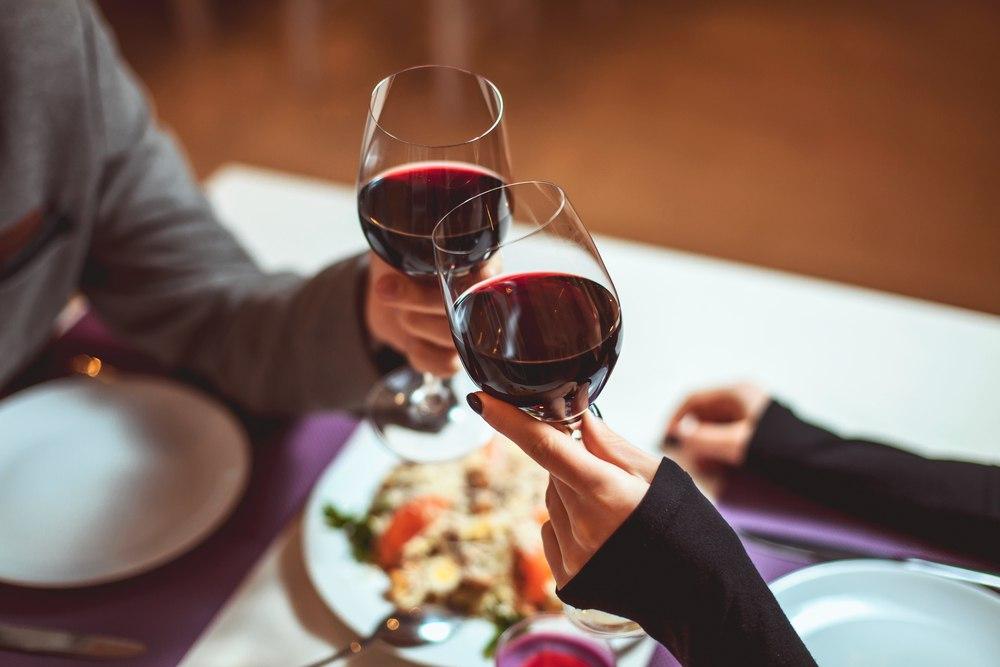 Не более 1-го бокала: ресторан ввел строгое правило для родителей