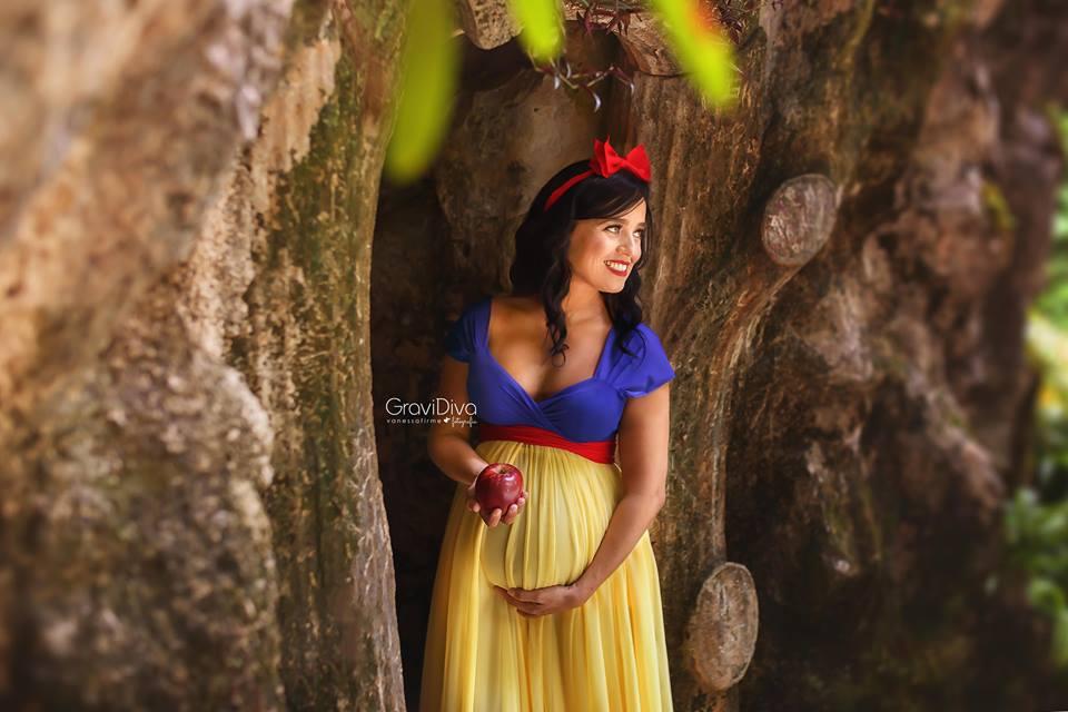 Долой банальность: фотограф превращает будущих мам в героинь Disney