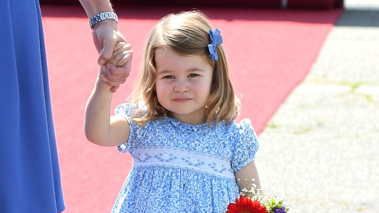 Кейт Миддлтон отдала 2-летнюю Шарлотту в школу