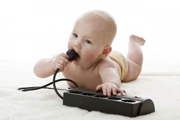 Смертельная опасность: 11 рисков для жизни ребенка в вашем доме