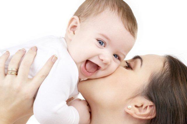 Как любовь и ласка мамы влияет на здоровье ребенка: 10 научных фактов