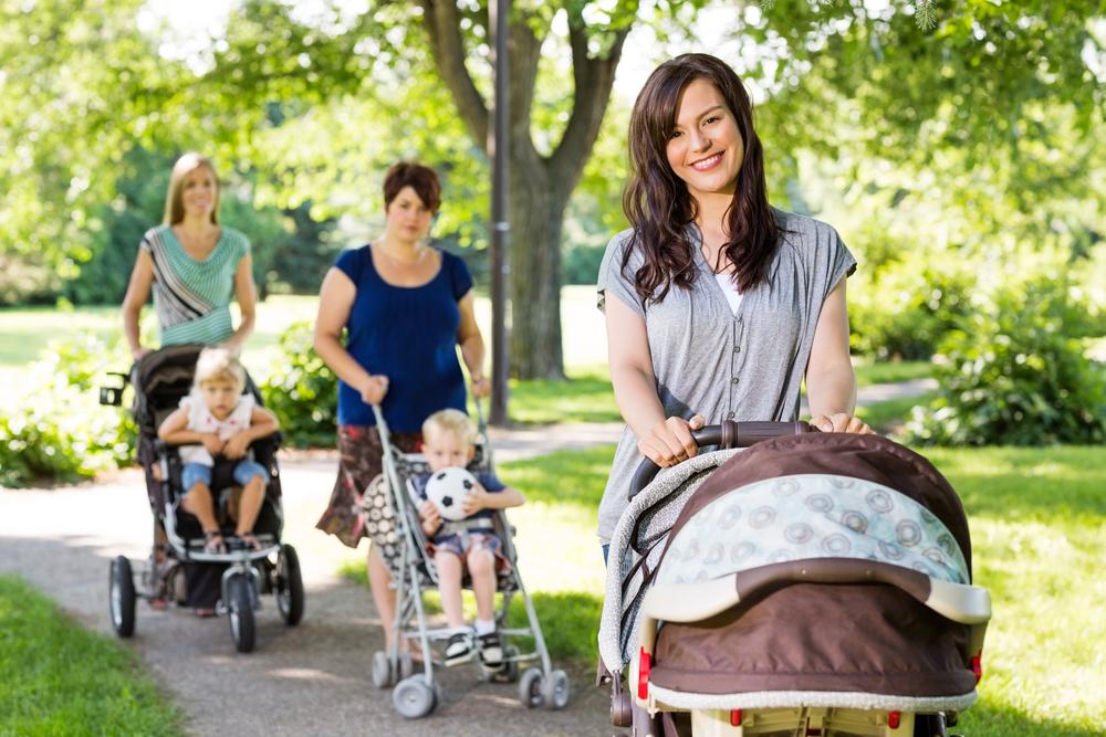Скоро появится малыш: ТОП-5 незаменимых вещей для молодых мам