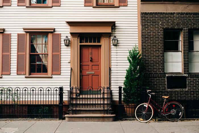 9 лет впроголодь: чтобы выплатить ипотеку, семья из Лондона экономила на всем