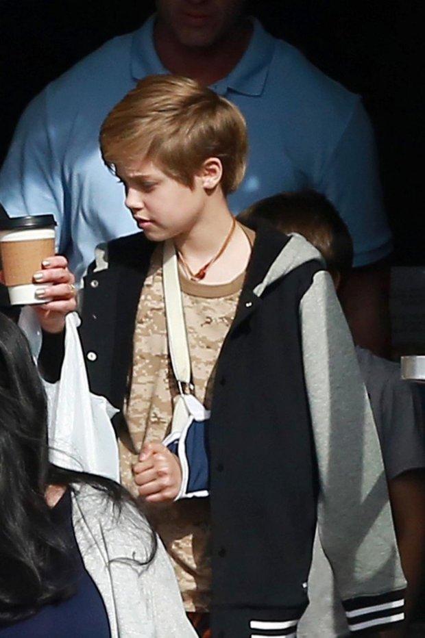 Дочь Анджелины Джоли - Шайло - попала в больницу на каникулах