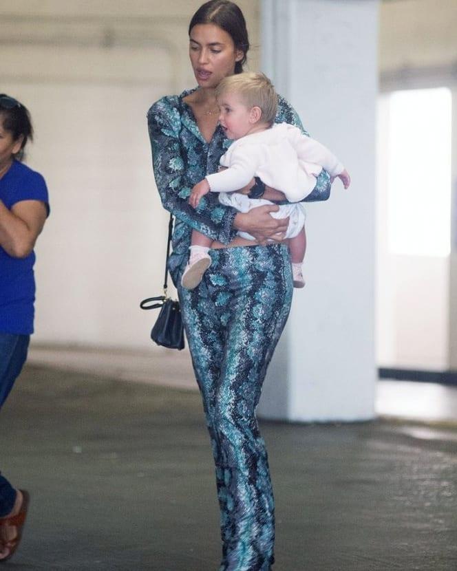 Это надо видеть: 10-месячная дочь Ирины Шейк стала копией Брэдли Купера