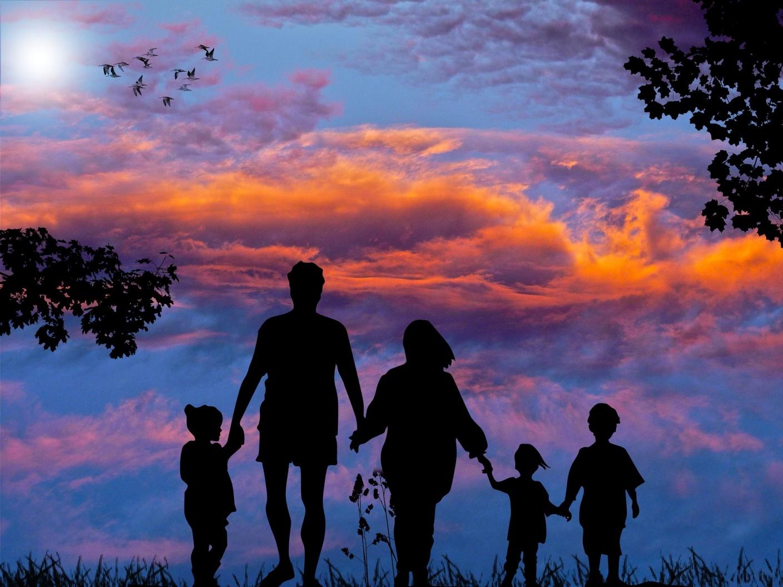Как научиться любить себя: 10 советов для мам и пап