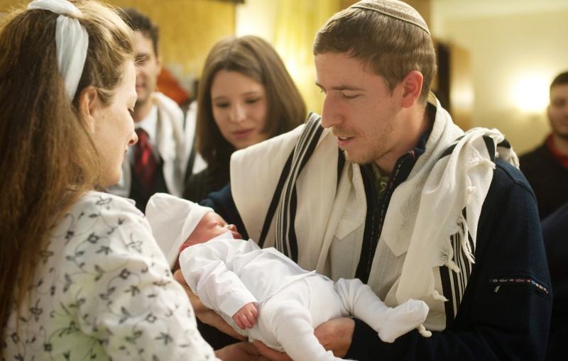 Как назвать ребенка в 2018 году: самые трендовые имена в России