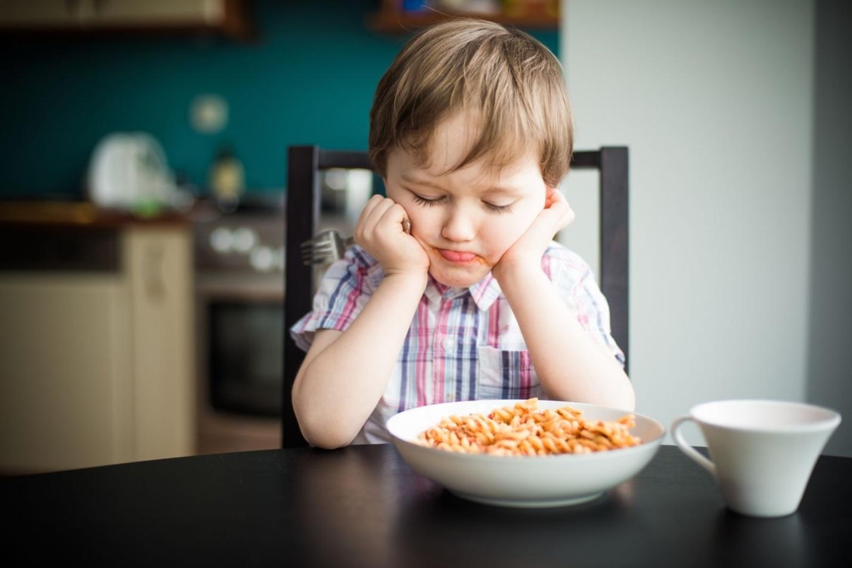 Почему дети плохо едят: ТОП-7 ошибок молодых родителей