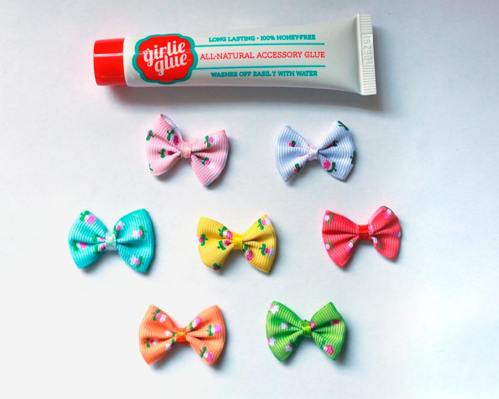 Girly glue — новый тренд: зачем клеят бантики на голову малышей?