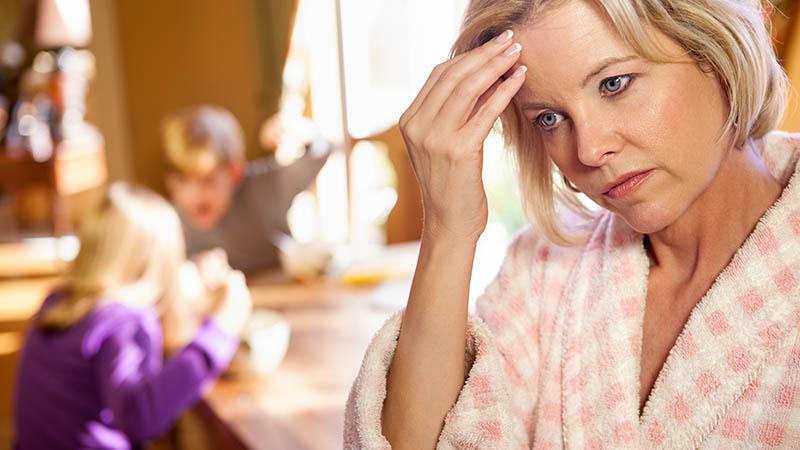 3 грубые ошибки, которые разрушают авторитет мамы — в глазах ребенка