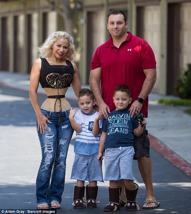 Никакой диеты и спорта: как мама двух детей добилась талии — с 74 до 45 см