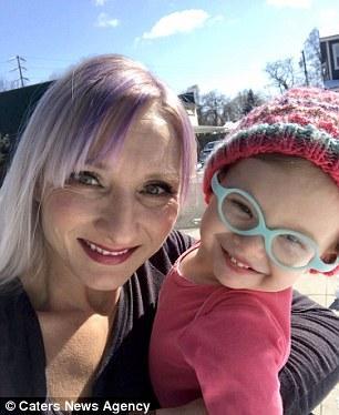 Глухой девочке подарили её куклу-копию со слуховым аппаратом