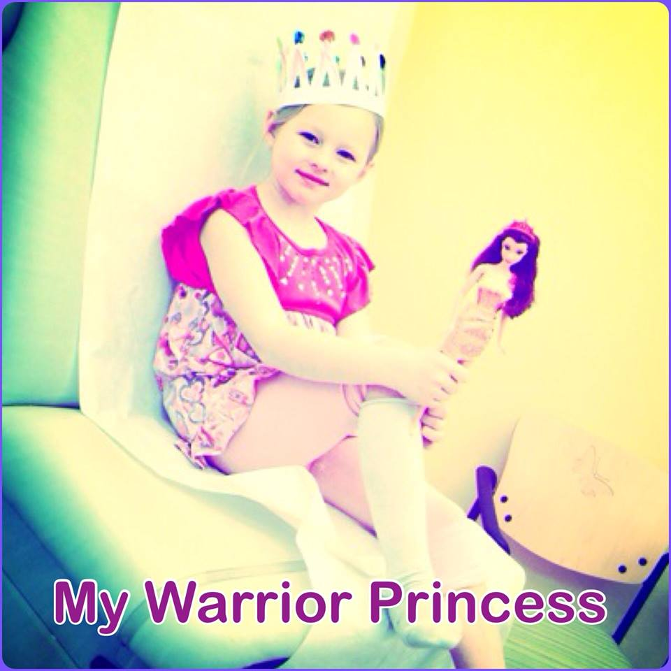 В 3 года этой девочке предсказали паралич, но сегодня она плавает, бегает и танцует