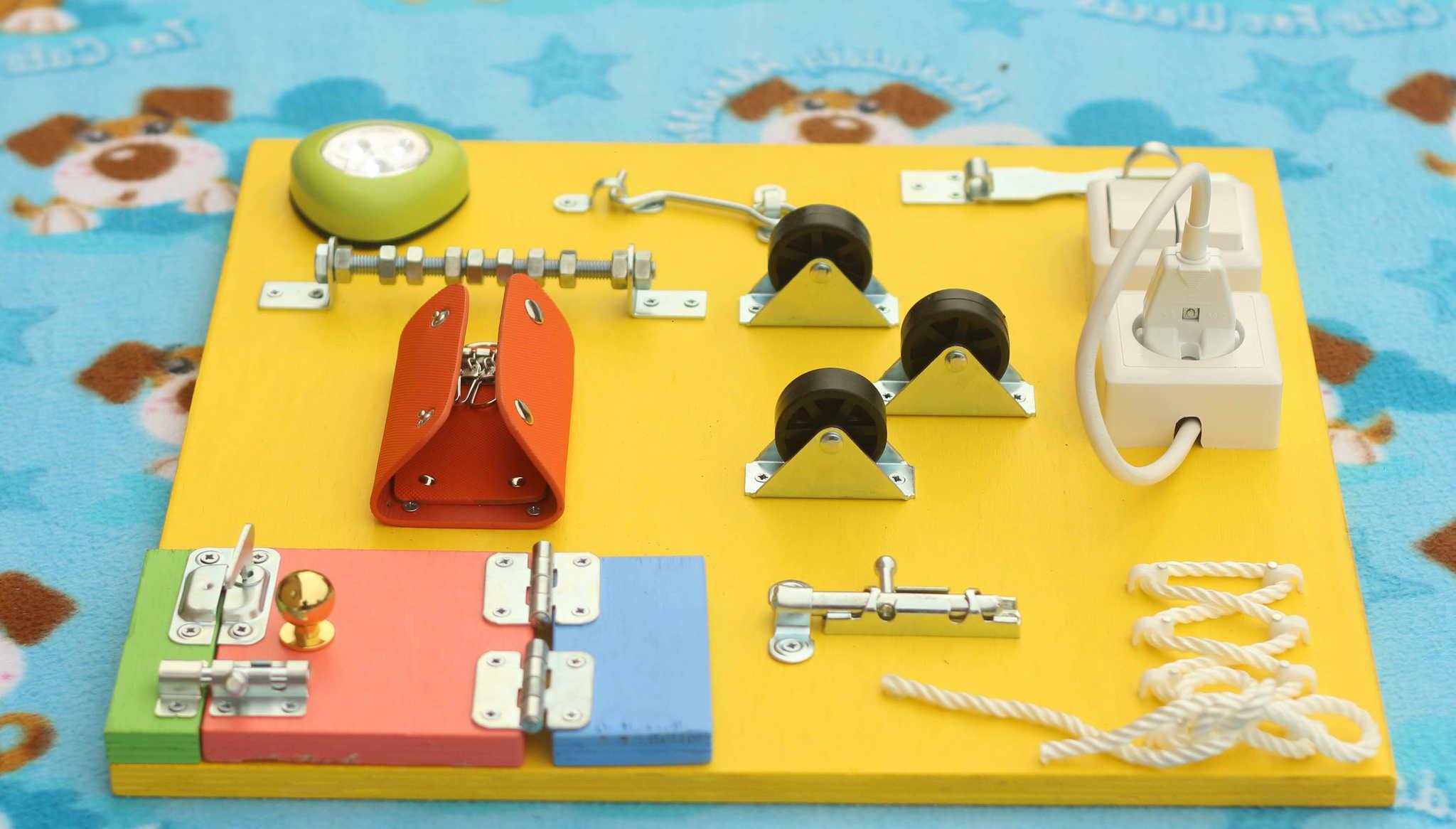 Бизиборд — своими руками: 20 идей для разватия крохи