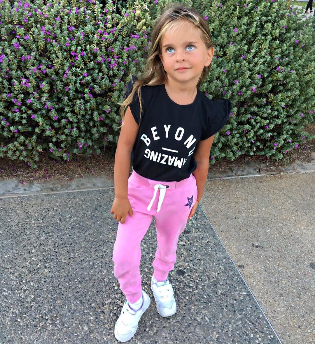 7 звездных детей, глядя на которых невозможно оторвать глаз