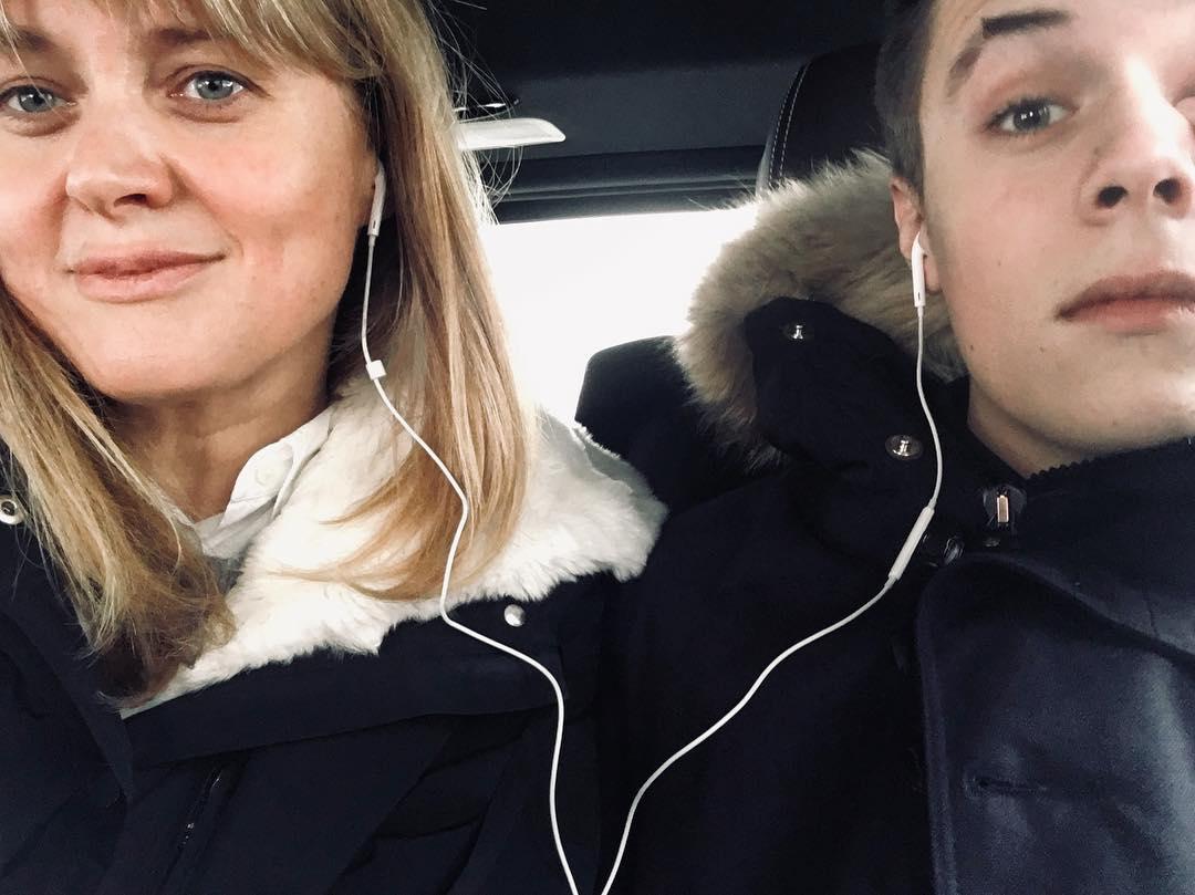 Пост Анны Михалковой о сыне привел к скандалу в соцсетях