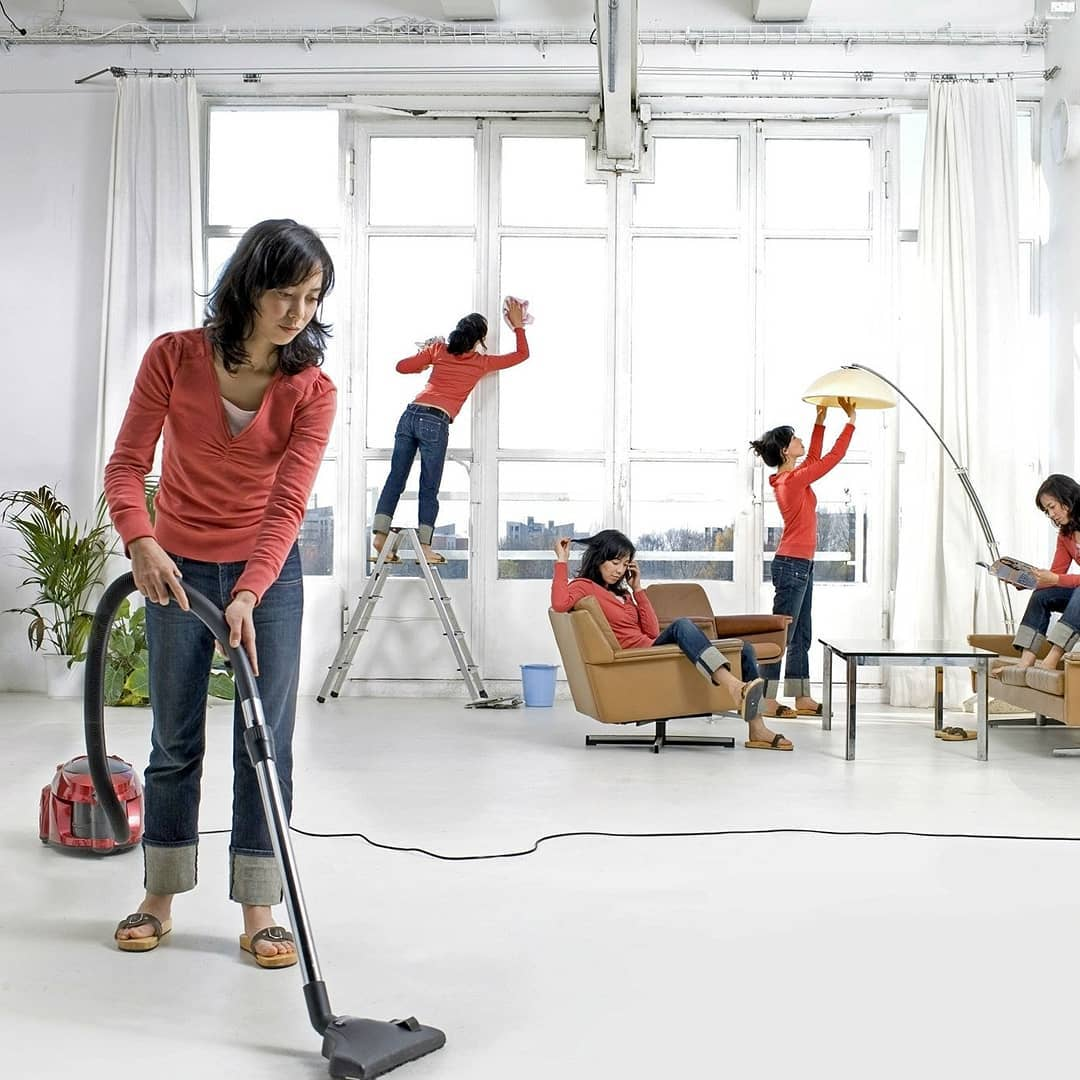Кто помогает женщине по дому и как устроен быт в обычной российской семье