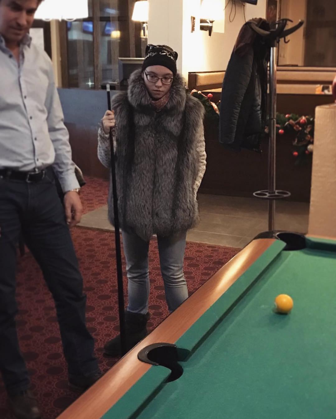 Я не очкарик: 10 звёздных наследников, которые с гордостью носят очки