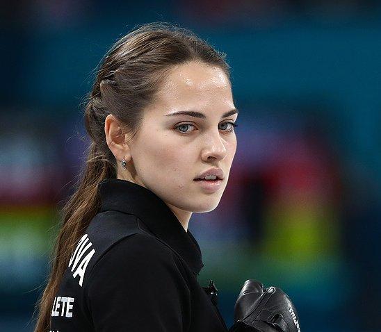 Анастасия Брызгалова Русская Джоли: хочет статья многодетной мамой