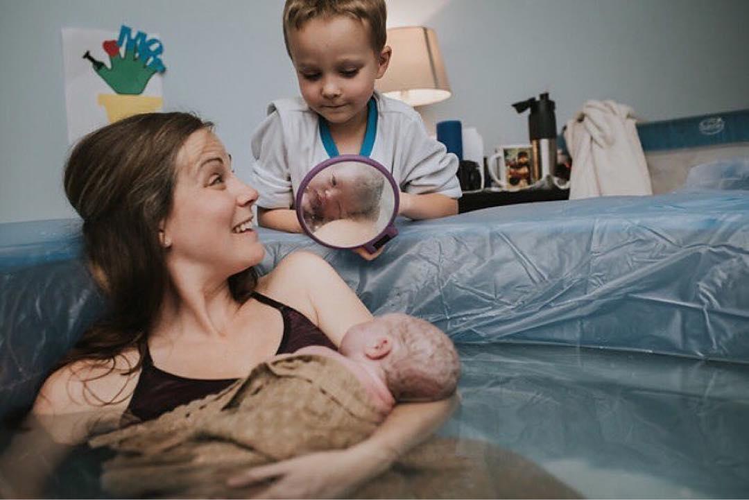 Ученые объяснили, почему все новорожденные — такие страшненькие (по мнению самих мам)