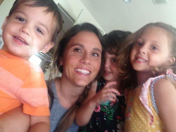 Письмо мужу: У нас в доме грязно, потому что я мама троих детей
