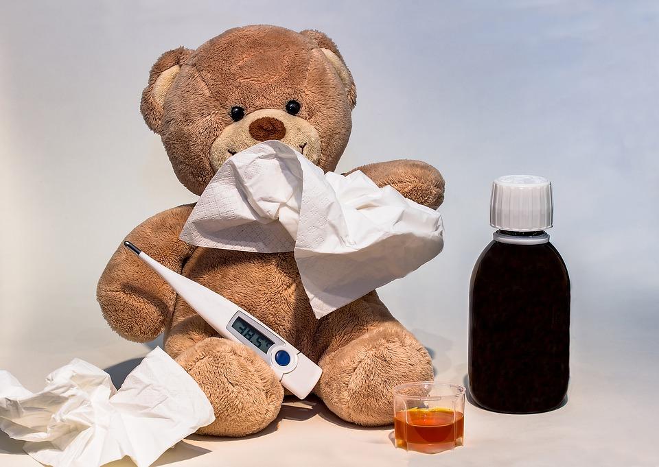 Что нельзя делать, когда у ребенка — температура: 7 опасных ошибок