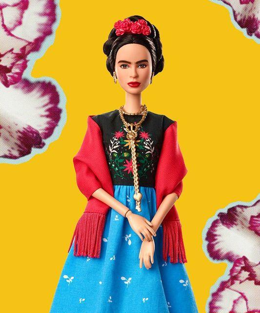 Сальму Хайек возмутила внешность куклы Barbie в образе Фриды Кало