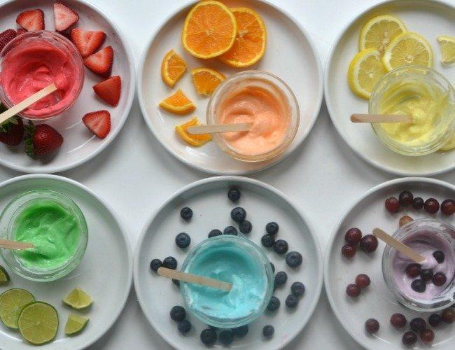 Безопасно и съедобно: 4 рецепта пальчиковых красок для малышей