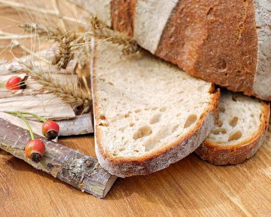 5 причин, почему нельзя давать ребенку много хлеба. Это может быть опасно!