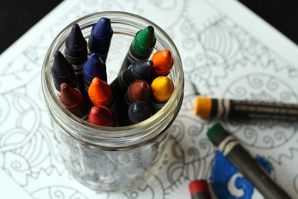 Как развлечь ребенка, не выходя из дома: 15 крутых идей