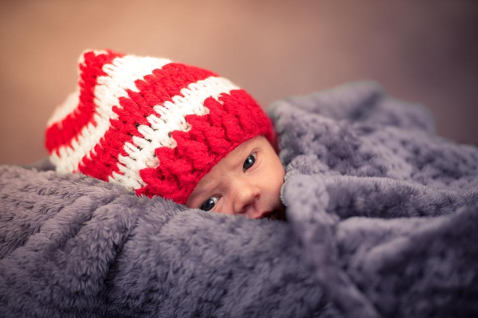 Если у грудничка — колики: 16 способов помочь малышу