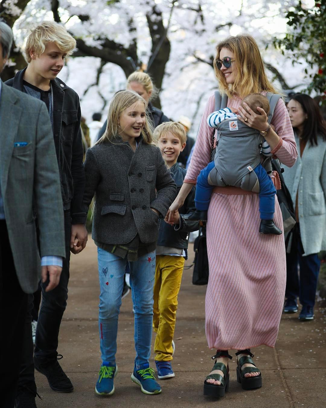Кнут и пряник: секреты воспитания от звездных родителей