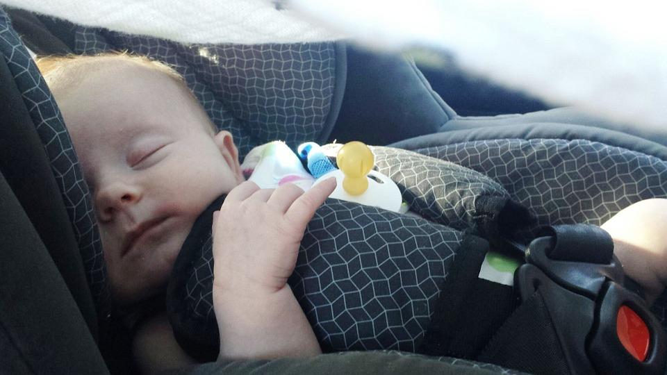 Почему автокресло — лучший вариант для перевозки детей в машине?