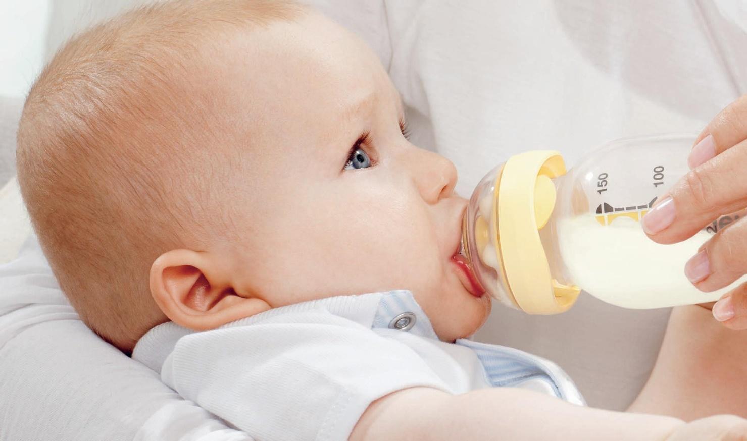 Эти 7 ошибок при приготовлении молочной смеси могут навредить ребенку