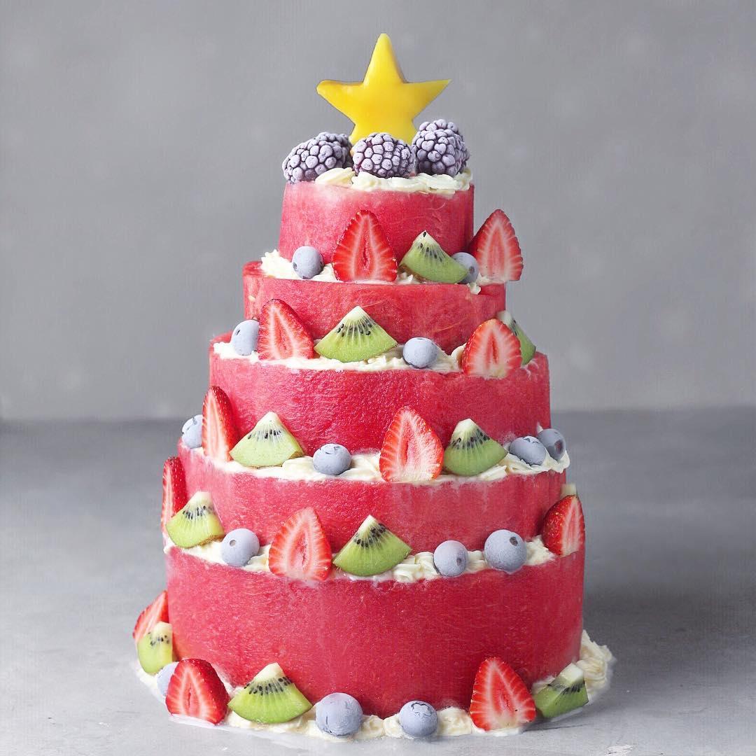 16-летний веган из Лимы готовит фантастически красивые десерты и делится этим в Instagram