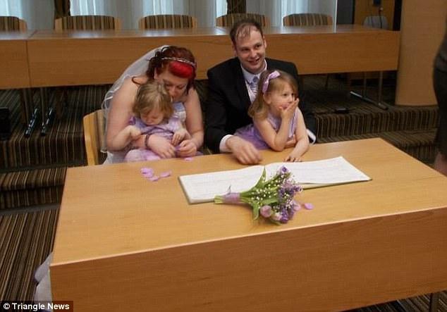 Мать 3-х детей решила родить ребенка, который уже обречен, — ради высокой цели