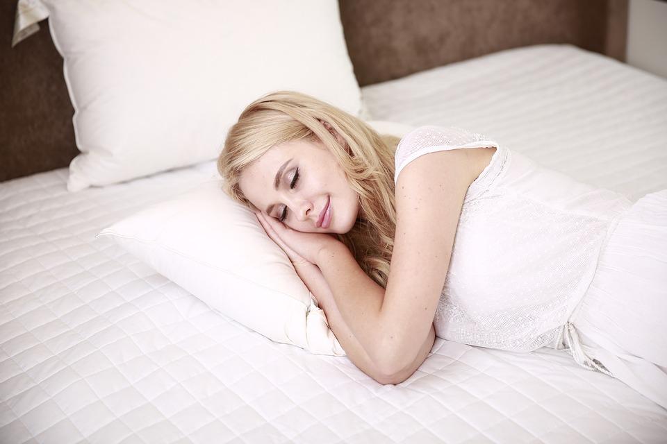 Сон-трава, или 7 правил крепкого сна во время беременности
