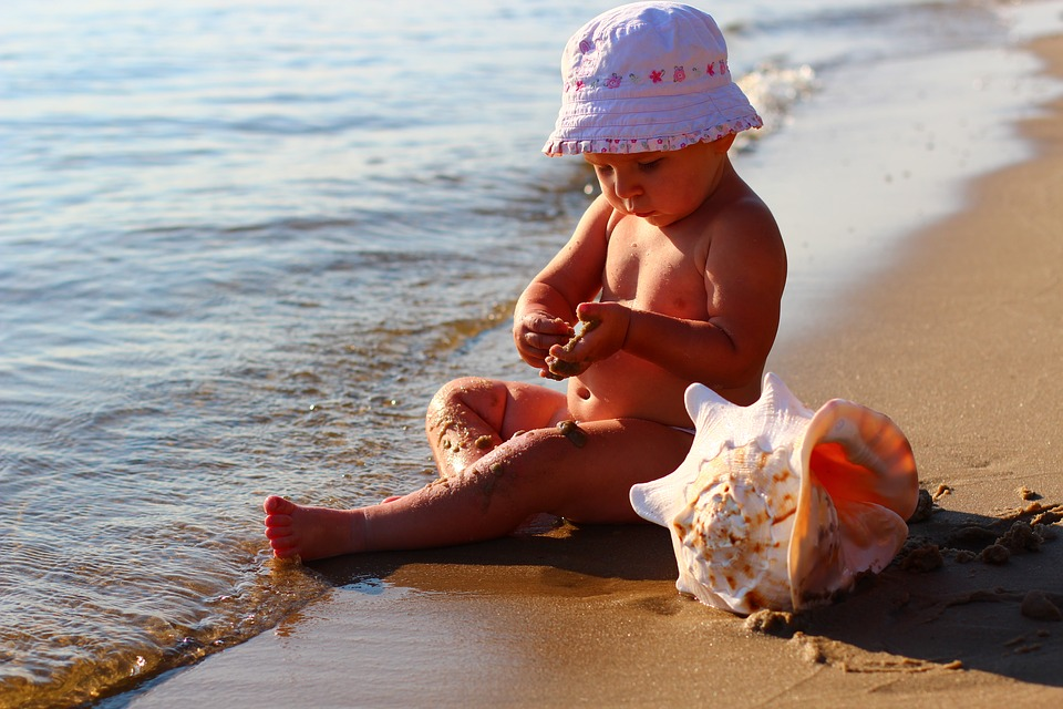 На море — с ребенком: что должно быть в аптечке каждой мамы?