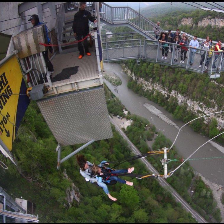 8-летняя дочь Татьяны Арнтгольц прыгнула с высоты 170 метров и даже не испугалась