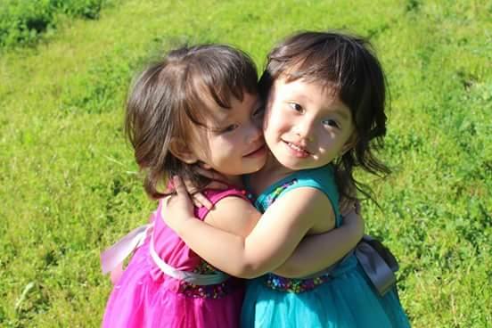 Необычное ЭКО: австралийка стала мамой благодаря яйцеклеткам родной сестры