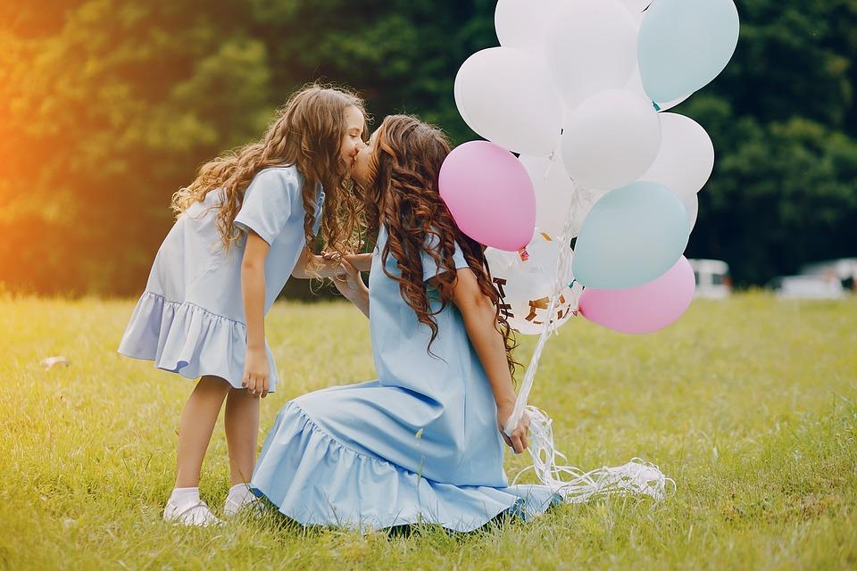 Улыбка, доброта, искренность и еще 12 вещей, за которые дети нас любят