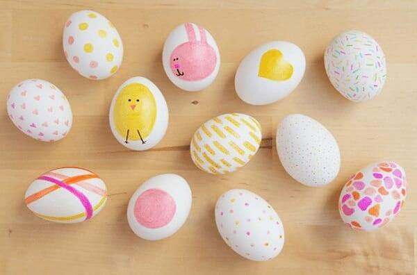 Как покрасить яйца к Пасхе: 7 очень интересных идей