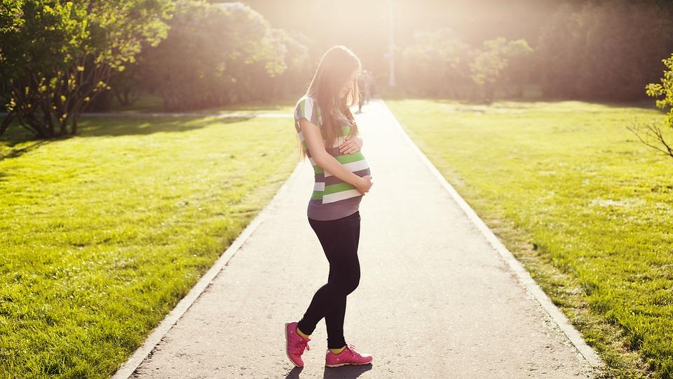 12вещей, которые нельзя делать будущей маме впервом триместре