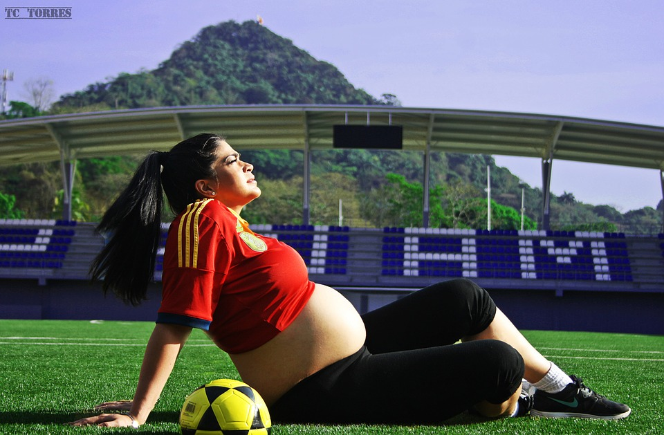 Ученые доказали, что спорт во время беременности ускорят роды. Рожать легче!