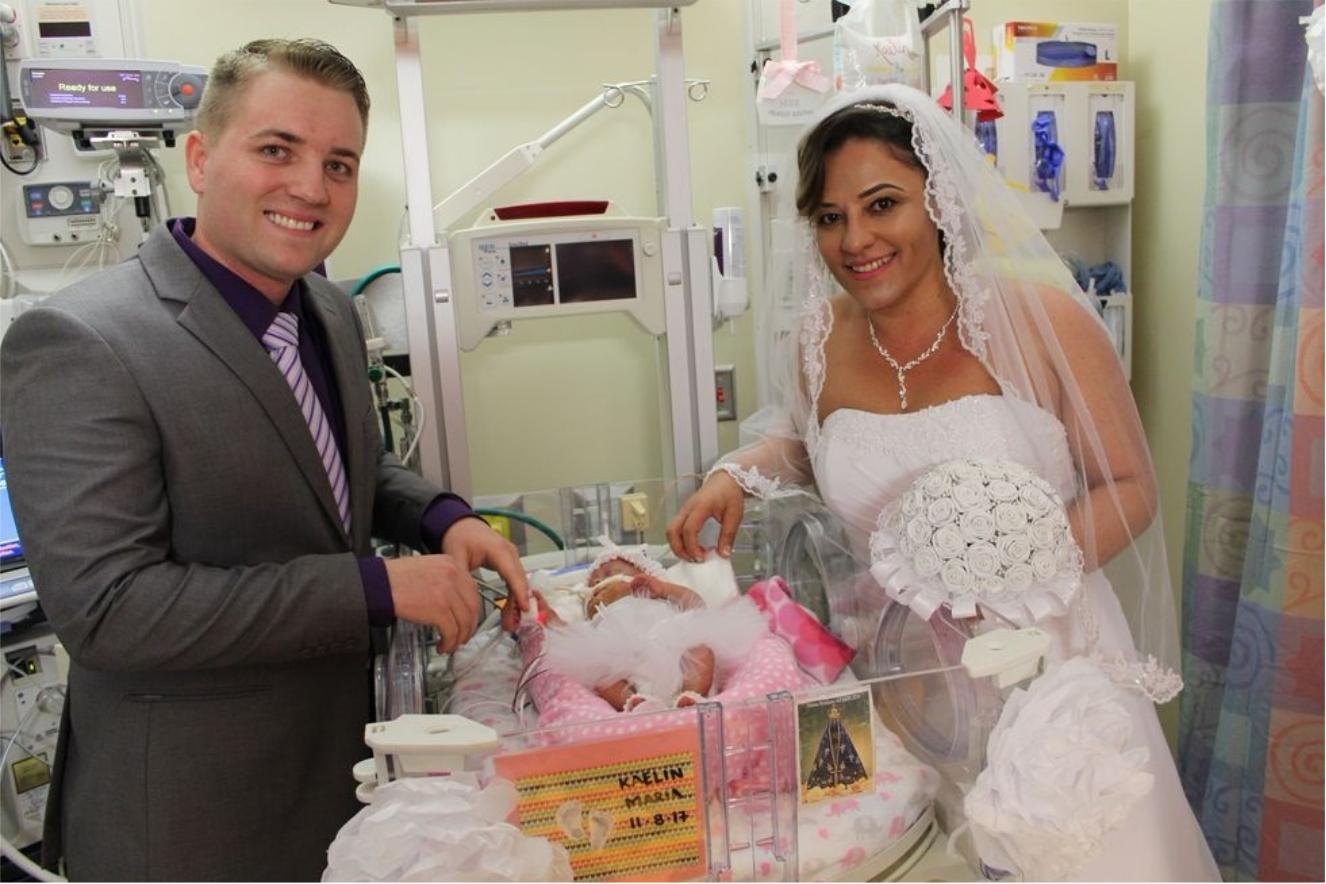 Пара не смогла пожениться из-за родов на 25 неделе. И судьба подкинула им другой шанс!