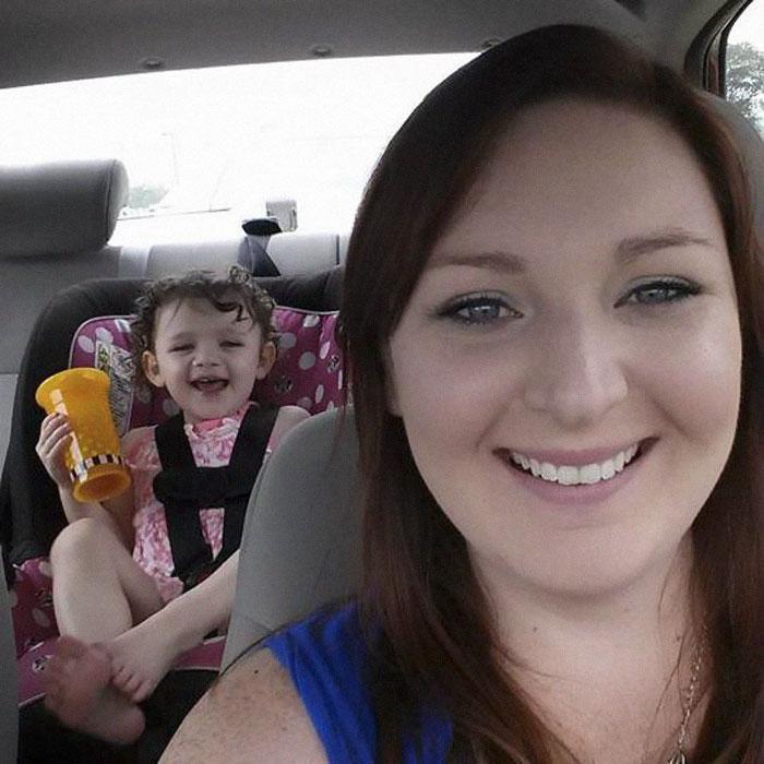 Врачи убедили маму, что её дочь-аутист не будет говорить. Но она не сдалась — и вот результат