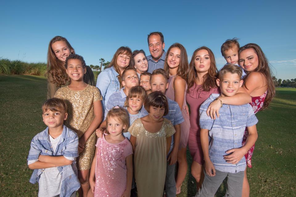 Это мама рассказала, как вырастить 16 детей и не превратиться в клушу. Это реально!