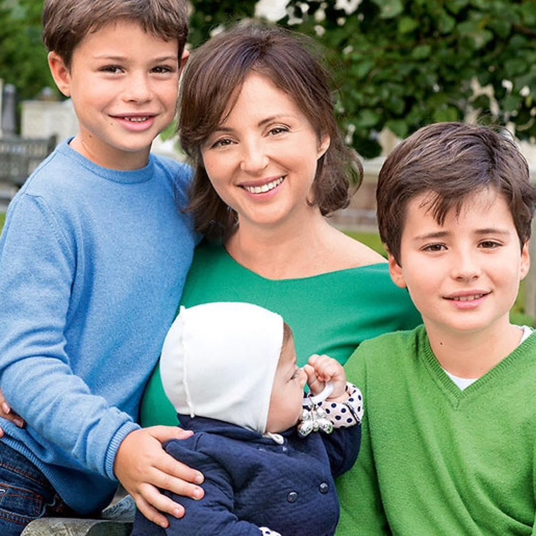Родить в 42: Анна Банщикова — о том, как решилась на третьи поздние роды